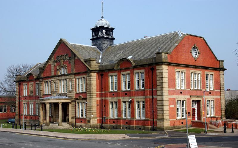 Farnworth Town Hall